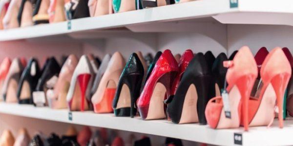В торговом центре Краснодара изъяли более 7 тыс. пар контрафактной обуви