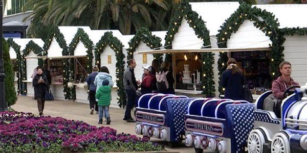В Сочи к Новому году открыли две рождественские ярмарки