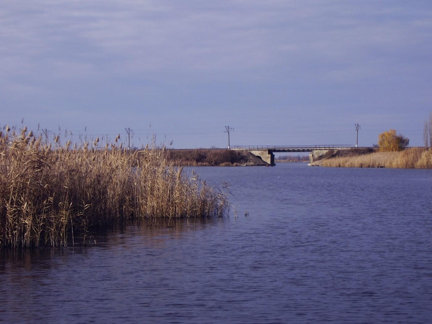 На Кубани несогласованные работы привели к перекрытию русла реки Бейсуг