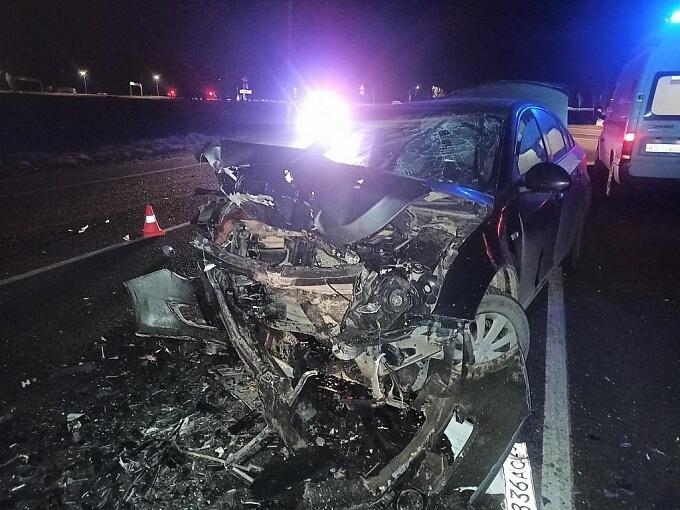 В Армавире в лобовом ДТП серьезно пострадали два водителя