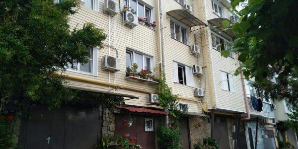 Скандальный урбанист Варламов рассказал о сочинских гаражных «небоскребах»