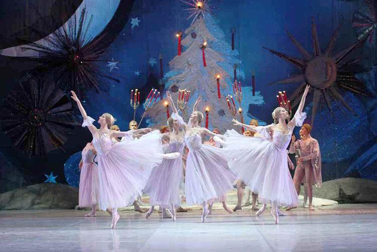 На Кубани 6 и 7 января можно посмотреть онлайн рождественские концерты