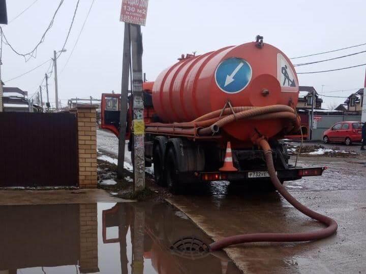 В Краснодаре после дождя поступило 39 заявок на откачку воды