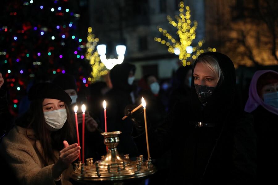На Кубани рождественские службы прошли с соблюдением всех антиковидных мер