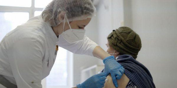 На Кубани прививку от коронавируса получили почти 12,7 тыс. человек