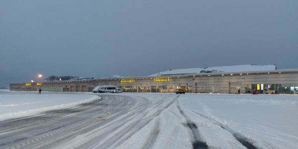 В аэропорту Краснодара из-за снегопада перенесли утренние рейсы