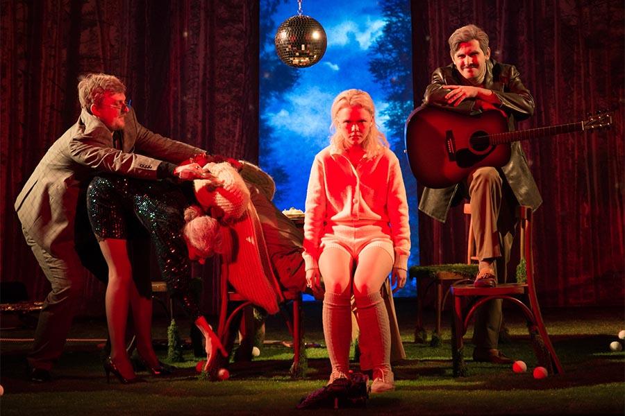 В краснодарском «Одном театре» состоится премьера спектакля «Серая радуга»
