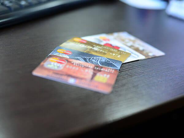 Получателям пенсий на карты Уралсиба надо до 1 июля получить готовую карту «Мир»