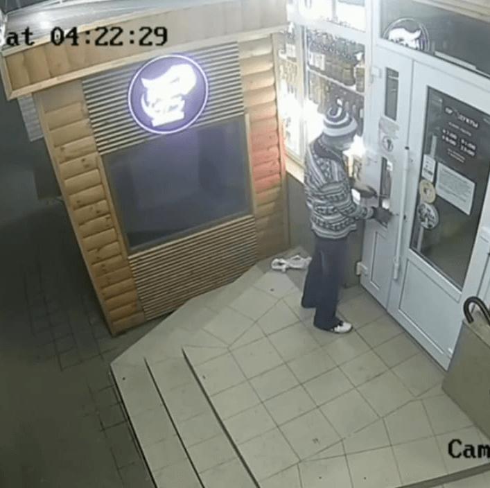 На Кубани мужчина ограбил чайный магазин в новогоднюю ночь