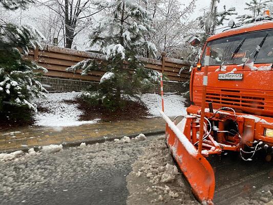 В горах Сочи прогнозируют налипание мокрого снега и гололедицу