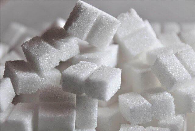 На Кубани мужчина похитил со склада больше тонны сахара