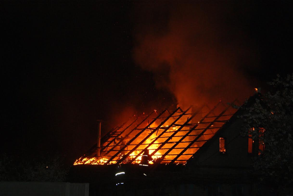 Семьи из сгоревшего под Туапсе дома расселили во временное жилье