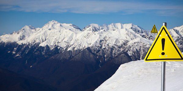 В горах Сочи опасность схода лавин сохранится до 20 января