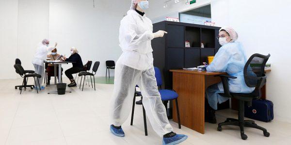 В Краснодаре открылся третий мобильный пункт вакцинации от коронавируса