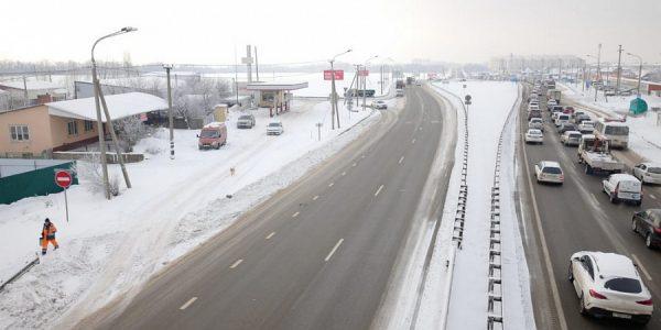На трассах Кубани последствия снегопада устраняют более 350 спецмашин