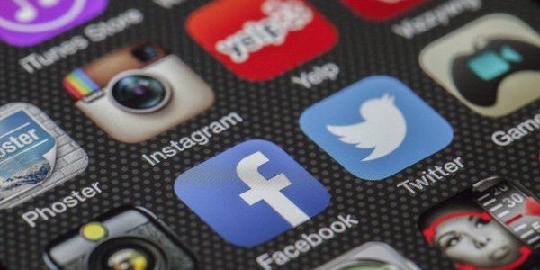 В сети сообщают о крупнейшем в истории Facebook «сливе» данных пользователей