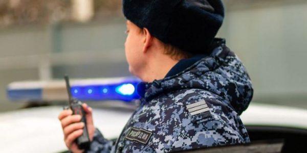 В Краснодаре грабитель с ножом забрал из кассы книжного магазина 4 тыс. рублей