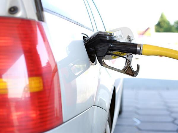 В России в январе ожидается резкий рост оптовых цен на бензин
