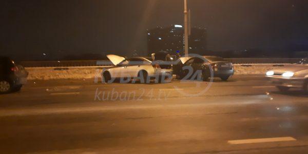В Краснодаре произошло массовое ДТП на Северном мосту