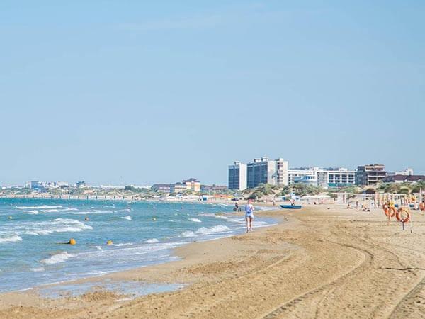 Ученые РАН возьмут пробы воды и изучат цветение камки на пляжах в Анапе