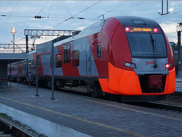 На Кубани из-за замыкания в «Ласточке» пассажиры 3,5 часа провели на улице