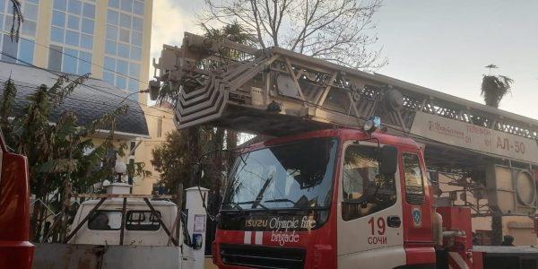 В Сочи в гостинице «Ювента» произошел крупный пожар, эвакуировали 23 человека