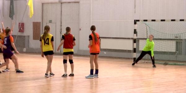 Кубанские спортсменки успешно стартовали в Первенстве России по гандболу