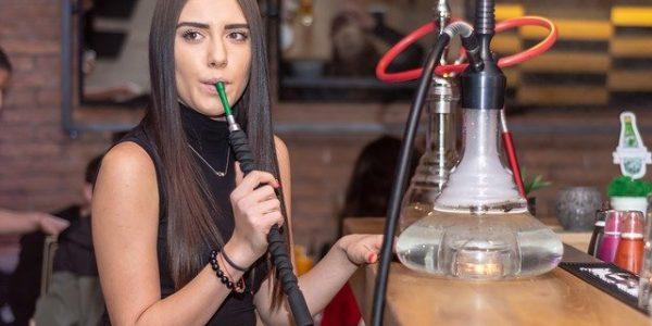В Анапе из-за курения кальянов оштрафовали два бара