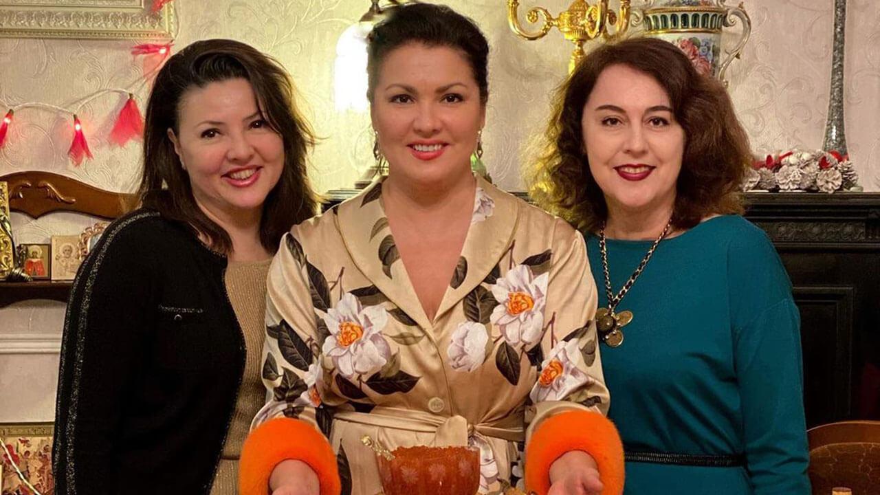Оперная дива Анна Нетребко приехала отмечать Масленицу в Краснодар