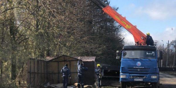 В пригороде Краснодара начали сносить гаражи в зеленой зоне