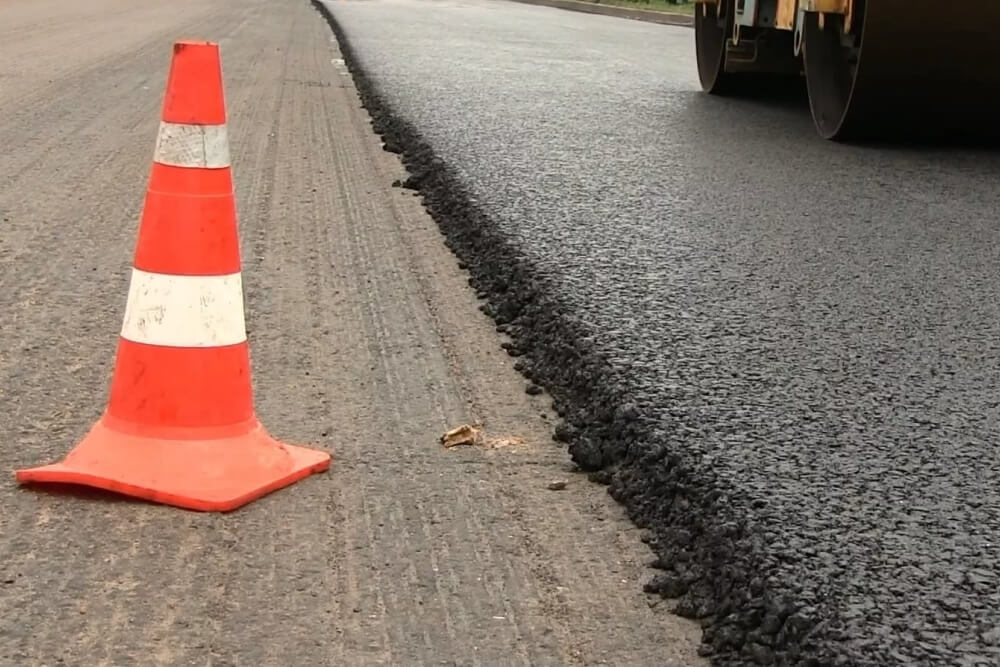 В Краснодаре устраняют дефекты, выявленные при осмотре отремонтированных дорог