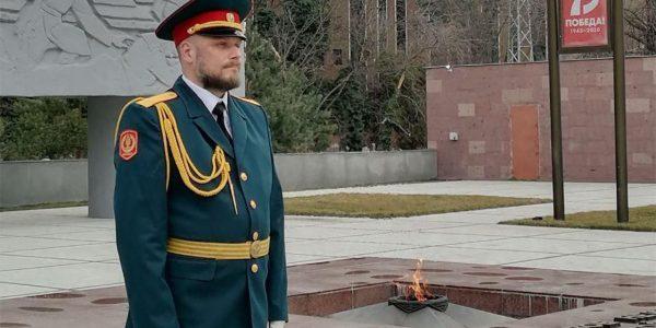 Внук маршала Жукова принял участие в Вахте памяти у Вечного огня в Краснодаре