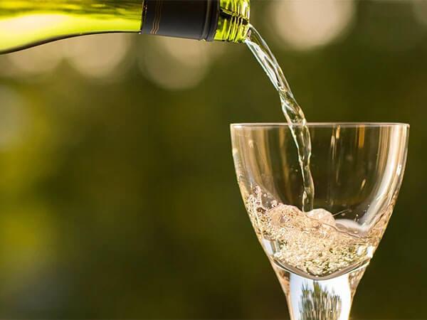 В Геленджике мужчина пытался украсть бутылку шампанского за 40 тыс. рублей