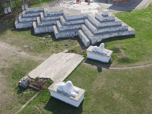 В Армавире в 2022 году могут благоустроить сквер со сфинксами