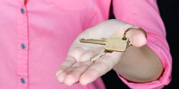 Хозяин или агент: как арендовать квартиру и избежать проблем