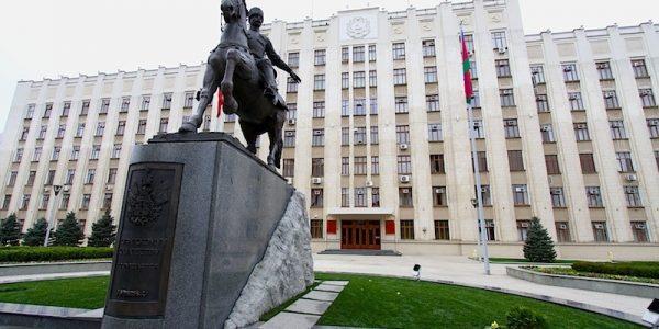 На Кубани с 5 апреля разрешат проводить деловые встречи с большим числом людей