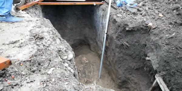 Житель Курганинского района раскопал на своем участке могилу древнего воина