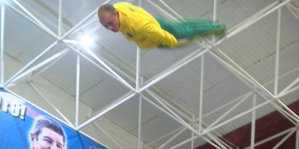 Юный кубанский батутист Никита Федоренко готовится к летней Олимпиаде в Токио