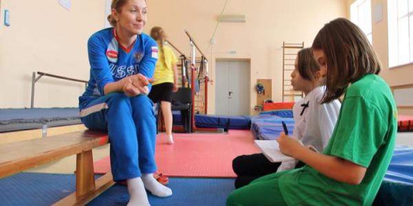 Ирина Караваева провела открытый урок по прыжкам на батуте для детей медиков