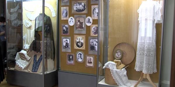 В Краснодаре открылась выставка об этническом разнообразии женщин Кубани