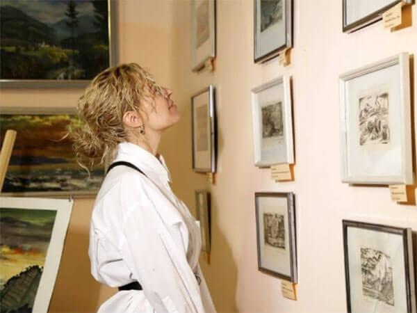 В Геленджике открылась выставка офортов «В поисках утраченного»