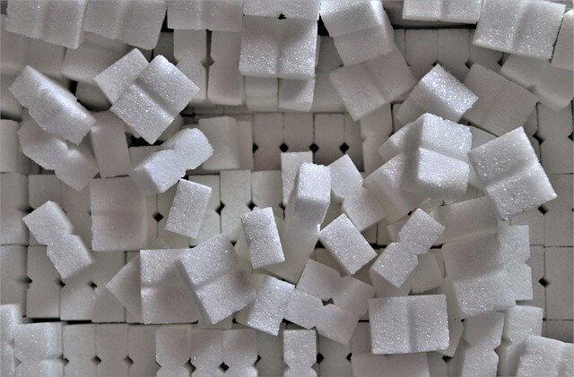 В России продлили соглашения о стабилизации цен на сахар и масло