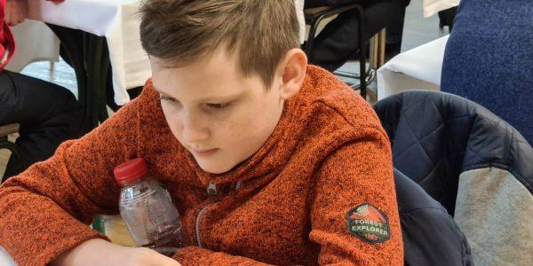 В Новороссийске городской шахматный турнир выиграл 12-летний мальчик