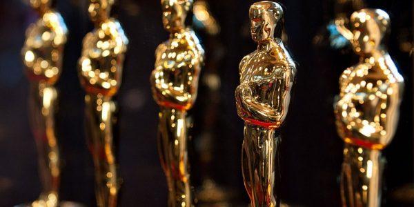 Фильм «Земля кочевников» получил «Оскар» в номинации «Лучший фильм года»