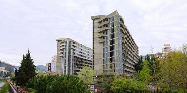 В Сочи инвестор завершит строительство проблемного апарт-комплекса «Фазотрон»