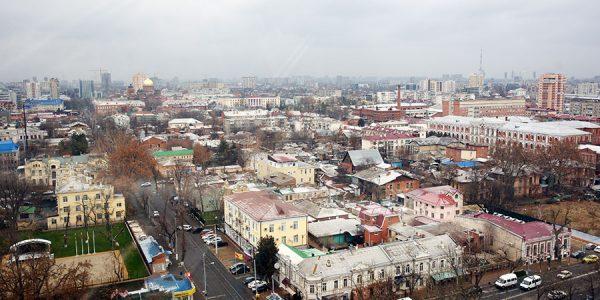 Почти половина компаний России будет работать в выходные дни с 4 по 7 мая