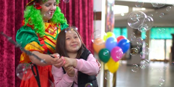 В Краснодаре открыли цирк, чтобы провести представление для девочки с лейкемией