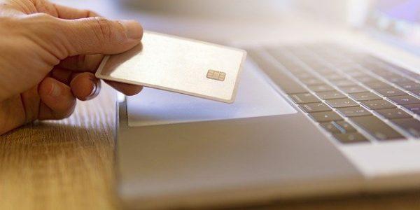 Российские банки могут подключать карты «Мир» к Apple Pay с 27 апреля