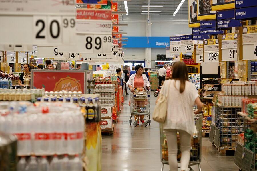 Аналитик перечислил группы товаров, которые могут подорожать из-за сильной жары