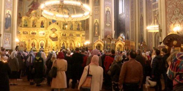 Митрополит Григорий провел свою первую в Краснодарском крае литургию
